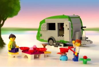 Building the world's largest LEGO brick caravan