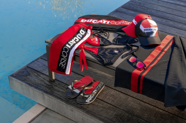 Ducati presents thenew beach collectionfor the 2021 summer season