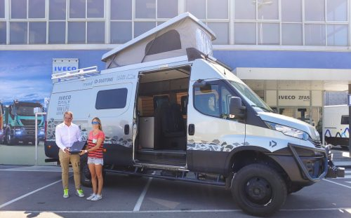 IVECO Daily Van Life Adventure: the adventure of Núria Gomà i Lleonart, professional kiteboarder, on board her Daily 4×4